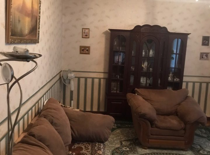 Продается дом. 15 га земли в подарок.